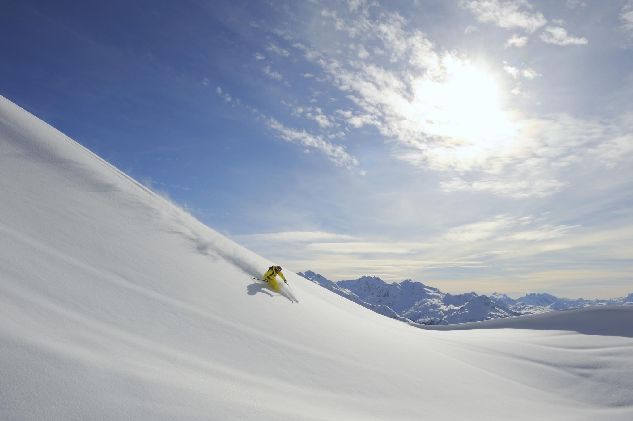 Skifahrer Piste Skiregion Zürs